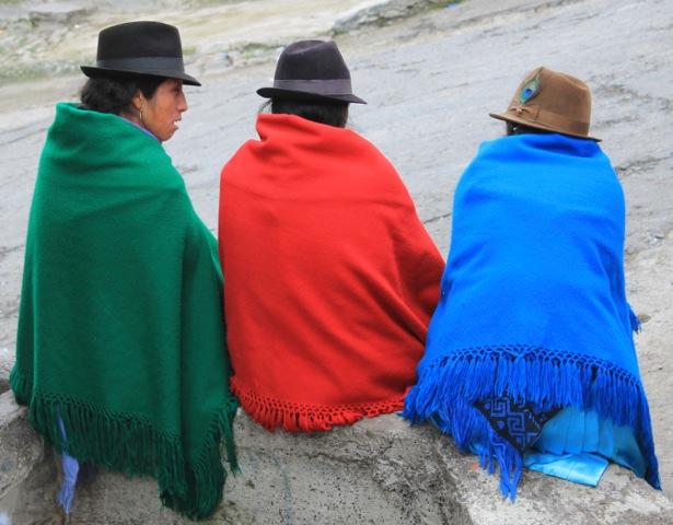 Women chatting in Alausí, central Ecuador