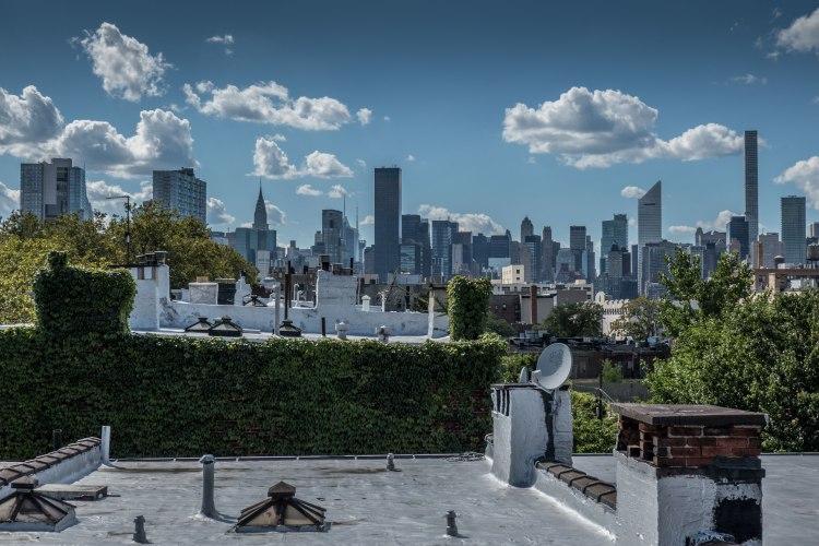 Manhattan skyline from Court Square G-7 subway station in Queens, New York