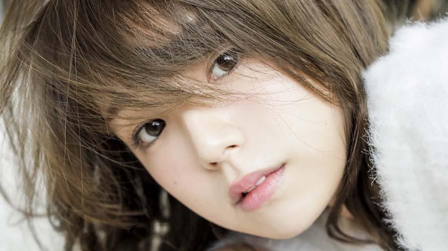 おフェロな篠崎愛が満載 ニューアルバム『YOU & LOVE』ジャケット写真や購入者特典公開