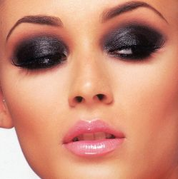 Valentines-Day-Makeup-Ideas-For-2012_1