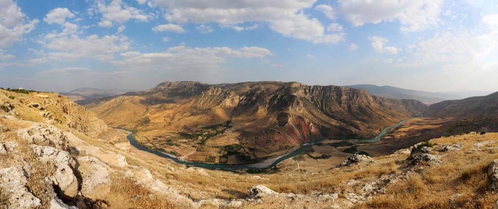 Siirt Kanyon Vadi Manzara Resimi