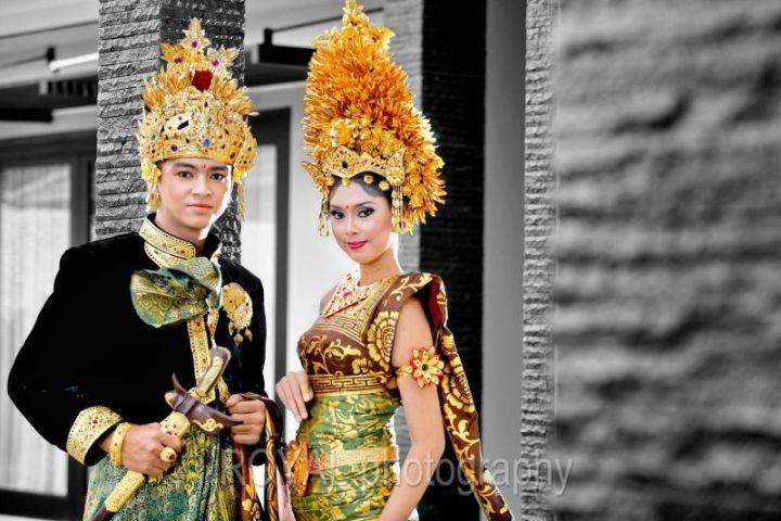 Baju Adat Bali Payas Agung