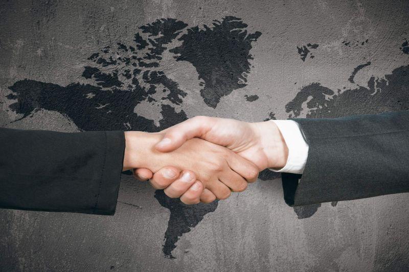 Photo of Pengertian, Faktor Pendorong, dan Manfaat Perdagangan Internasional