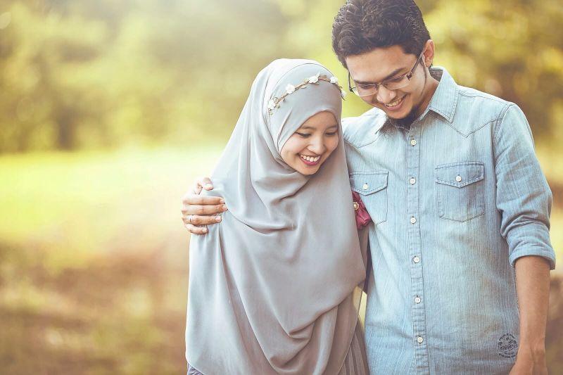 Islam Memuliakan Ikatan Pernikahan