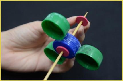 Langkah 4 Cara membuat Fidget Spinner dari tutup botol