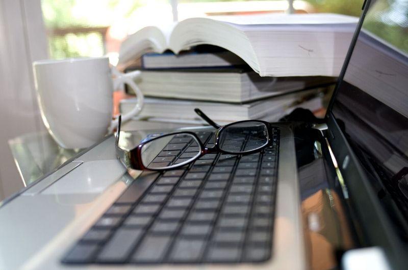 Photo of Contoh Kata Pengantar Makalah, Laporan, Skripsi, dan Karya Ilmiah