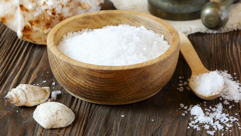 Cara Menghilangkan Ketombe dengan Garam Dapur