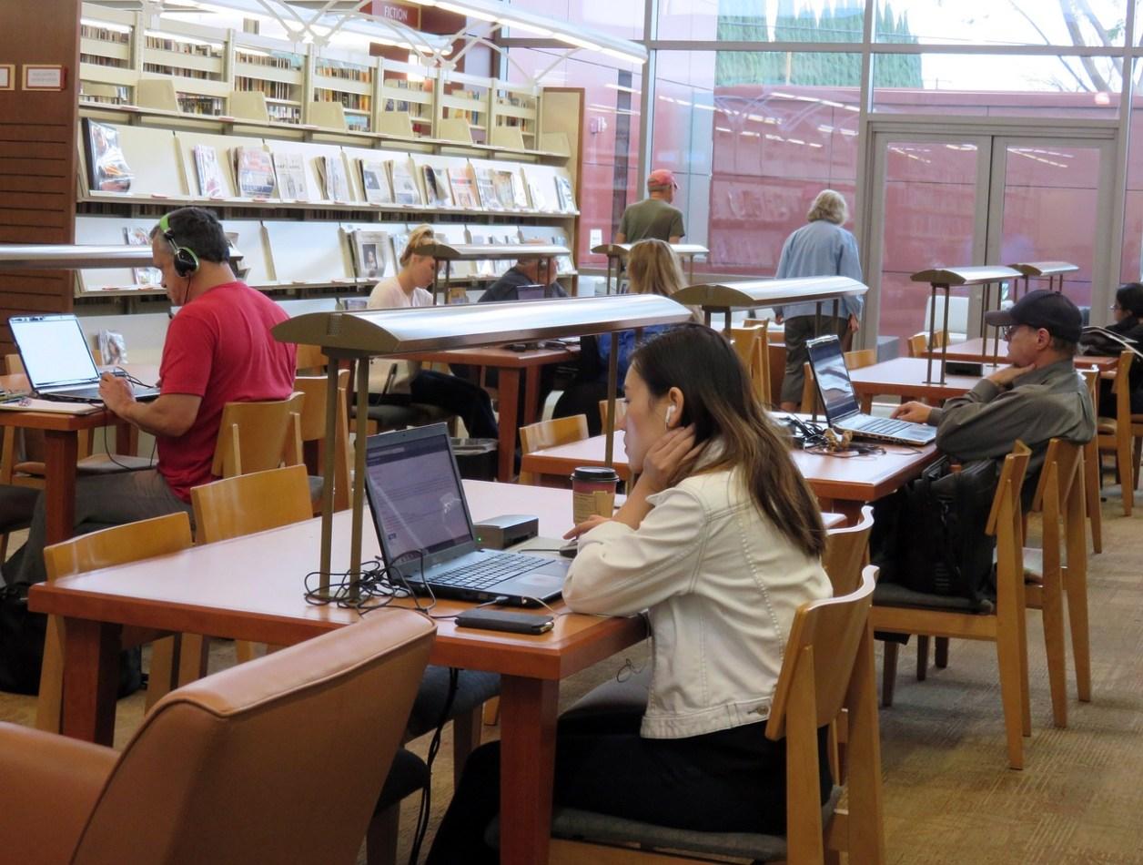 図書館での勉強