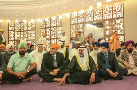 Shaikh Nahyan visits Sikh gurudwara in Dubai