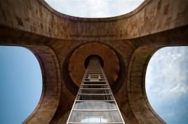 AGOSTO: Monumento a la Revoluci—n, visto desde su centro a nivel de suelo (Prometeo Lucero)