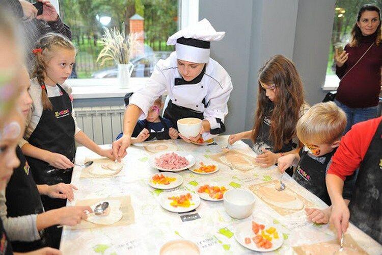 کلاس کارشناسی ارشد برای کودکان آشپزی