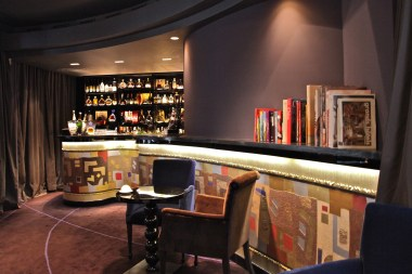 Burgundy-Hotel-Bar-Baudelaire-Silencio-Hotels-Luxe