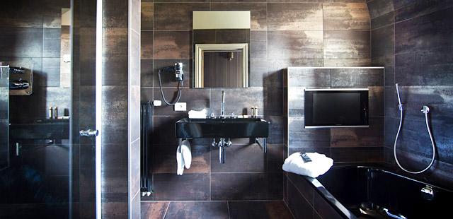 salle-de-bain-main-street-hotel-leper-belgium-silencio