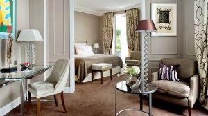 hotel-romantique-paris-burgundy-silencio