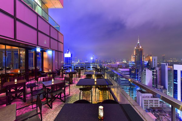 rooftop-bar-hong-kong-wooloomooloo-causewaybay