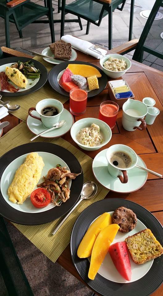 peninsula-bangkok-breakfast-silencio