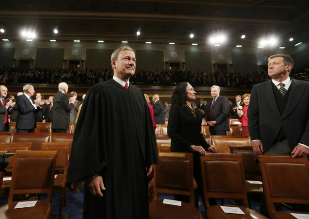 US Supreme Court swears in a dozen deaf lawyers