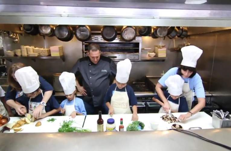 Deaf Chef and Hearing Impaired Comedian Inspire Children With Hearing Loss