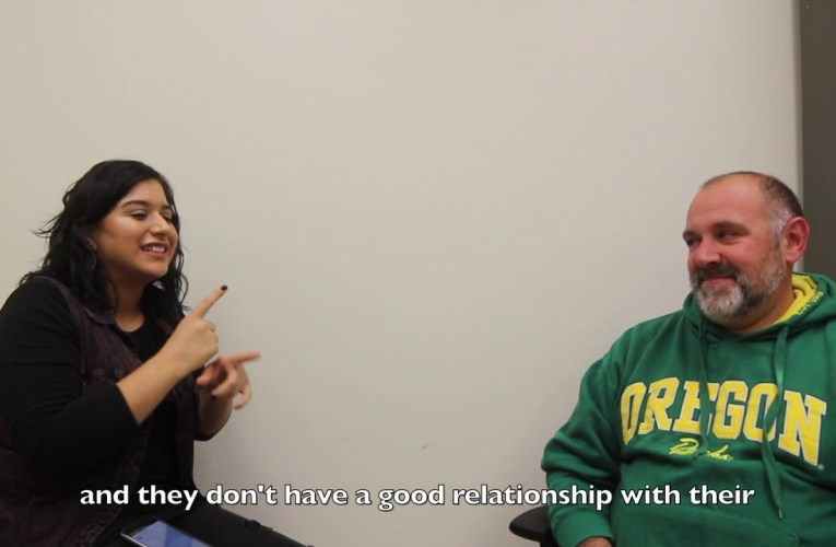 Ninos Latinos Sordos en California – Latino Deaf Children in California