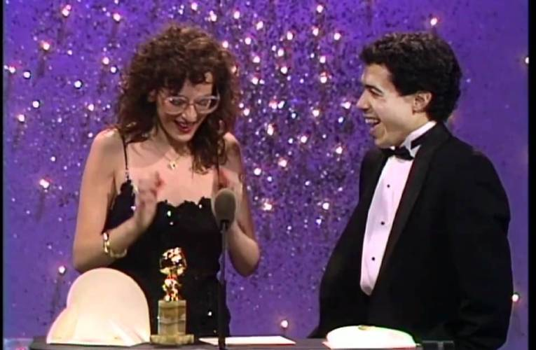 Marlee Matlin Wins Best Actress Motion Picture Drama – Golden Globes 1987