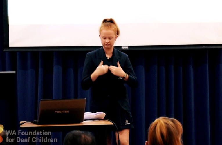 DEAF EXPRESS 2017: Brittany Toy
