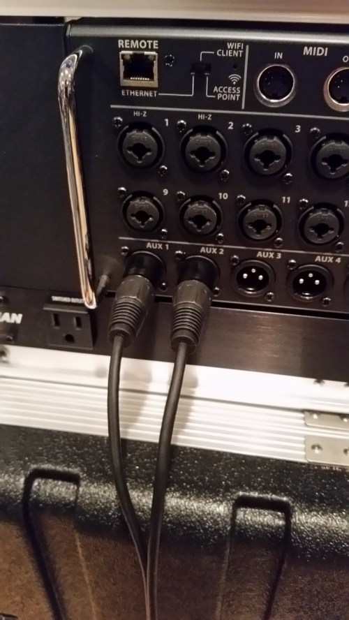small resolution of to connect things up just plug the xlr female or 1 4 ends of the y cable into your mixer s stereo linked output jacks connect a standard xlr microphone