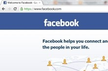 Facebook scoffs at social media privacy by taking over Home page