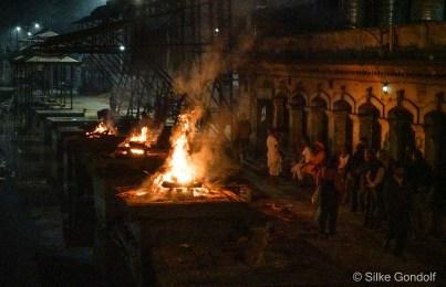 Cremation Fire at Pashupatinath Temple ind Kathmandu