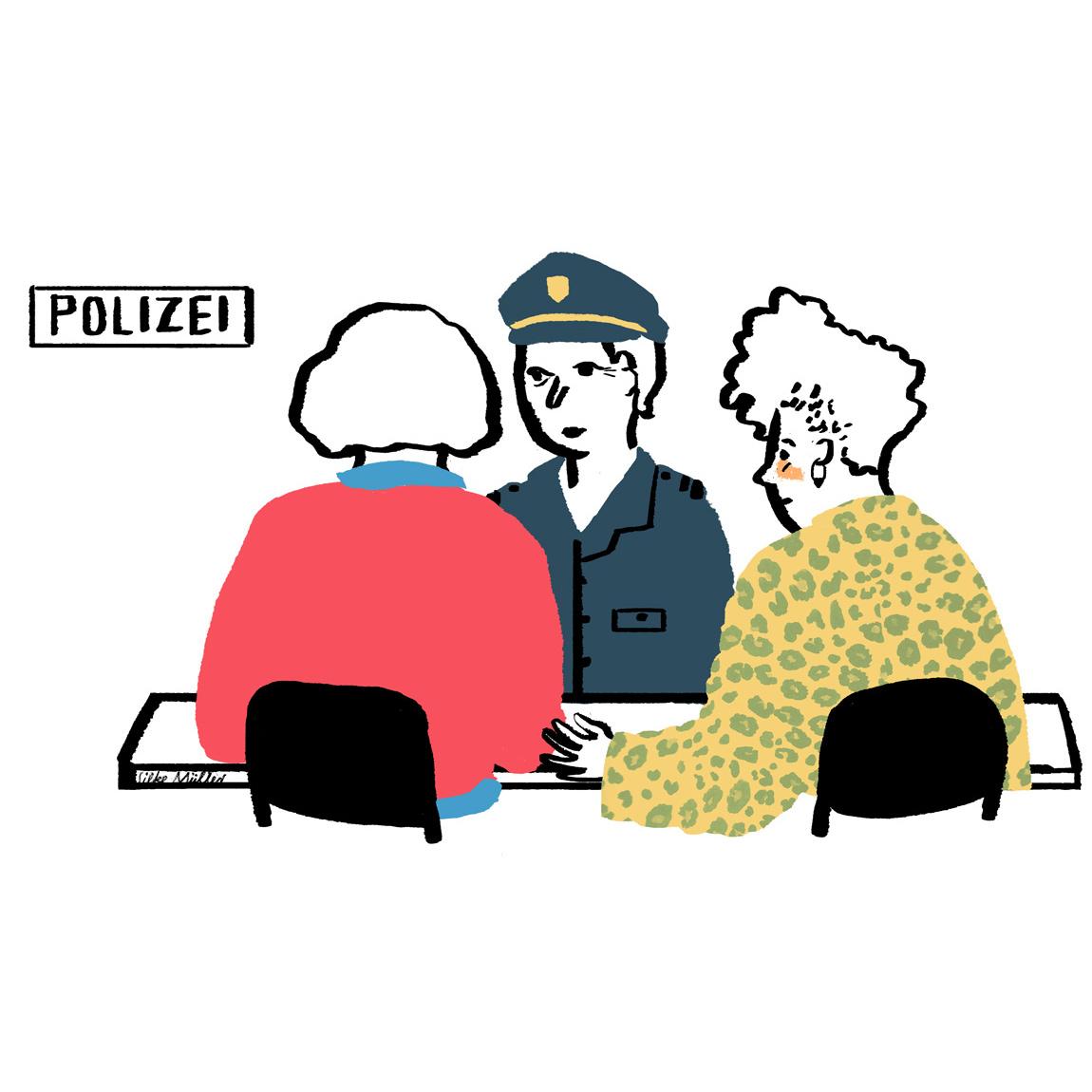 Maria und ihre Betreuerin sprechen mit einer Polizistin über den sexuellen Übergriff.