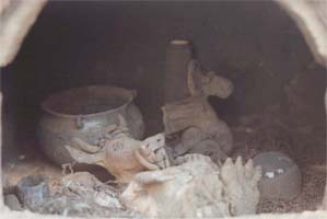 Schwarzbrand - Ausräumen des Lehmofens