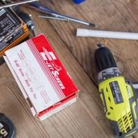 DIY-Tipp: Einen Tisch aus Traversen bauen