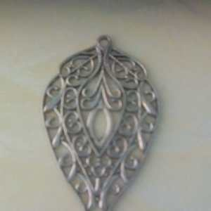 leaf pendant silver