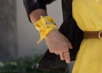 yellow short, uni colour
