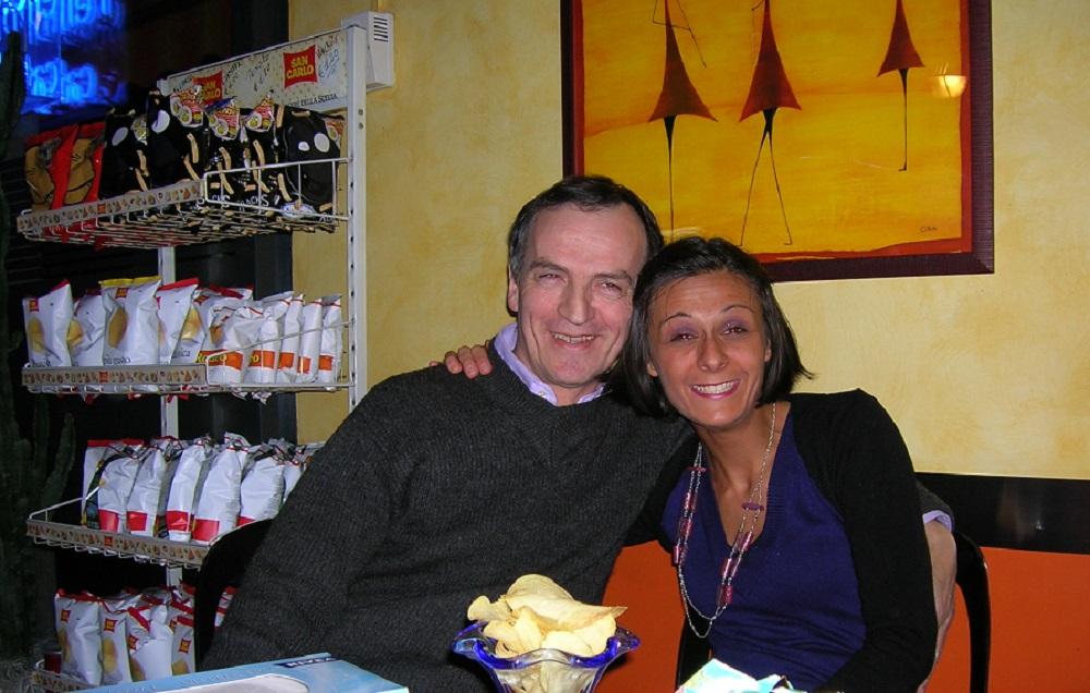 Silla Fregona con il papà Eugenio nel loro bar, Diego Galdino