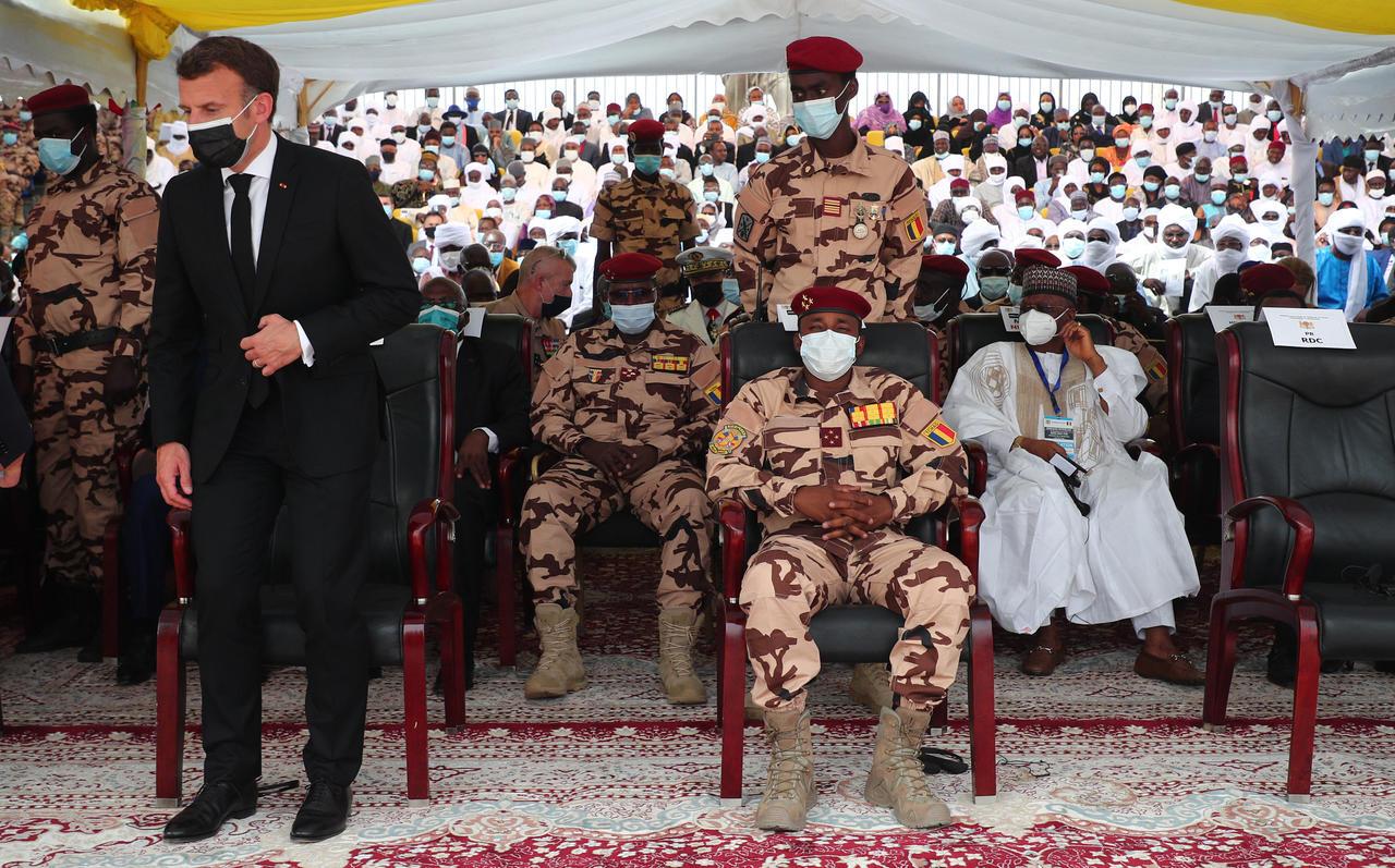 Tchad – Diplomatie: Emmanuel Macron et le dernier aurevoir à Idriss Déby