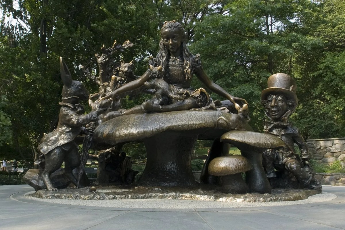 Alice in Wonderland Statue in Central Park