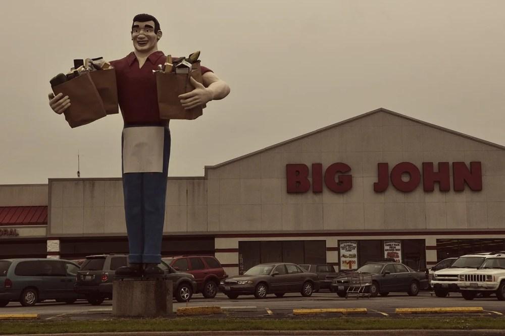 Big John Grocery Clerk, a roadside attraction in Metropolis, Illinois