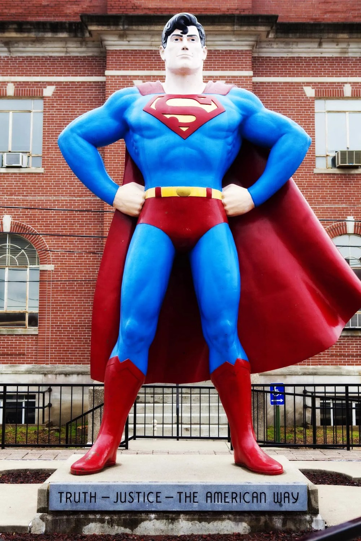 Roadside Attraction - Giant Superman statue in Metropolis, Illinois.