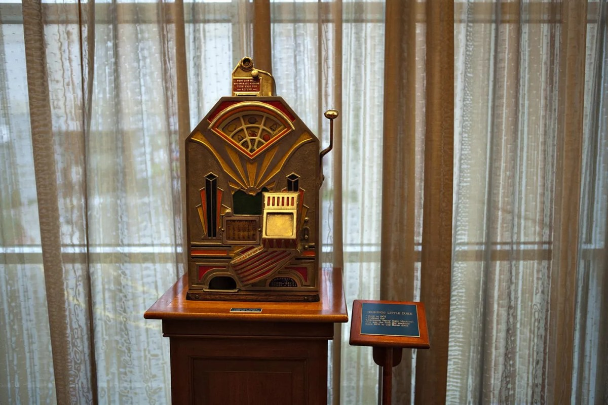 Vintage Slot Machines at Harrah's Hotel, Metropolis, Illinois