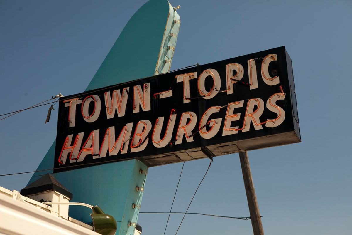 Town topic hamburgers in kansas city missouri silly america for American cuisine topic