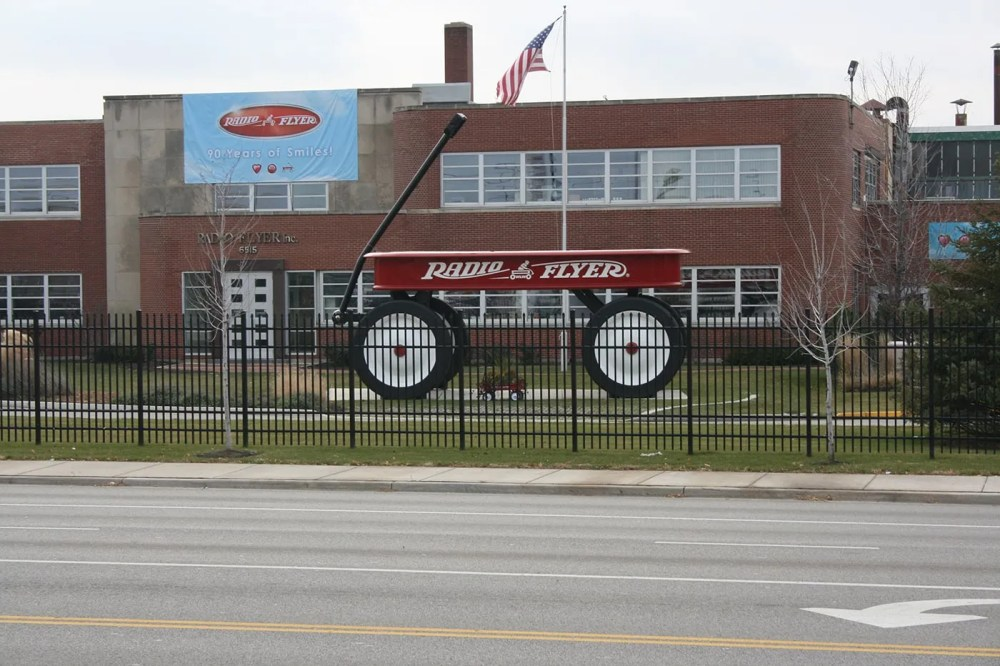 World's Largest Radio Flyer Wagon in Elmwood Park, Illinois