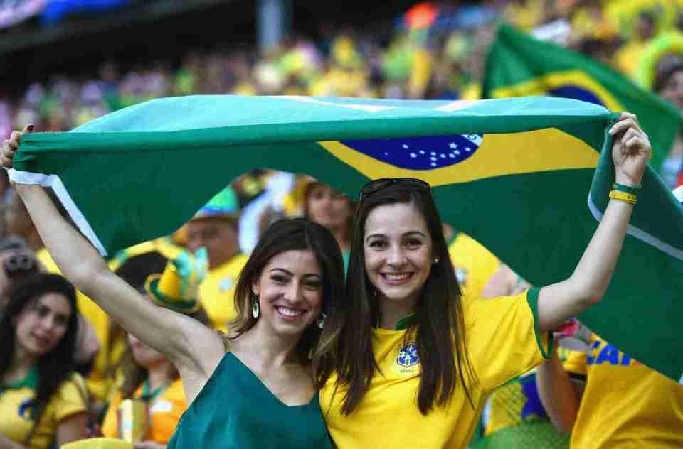 Beautiful female fans of FIFA World Cup 2014 and 2018 beautiful Brazilian female fans