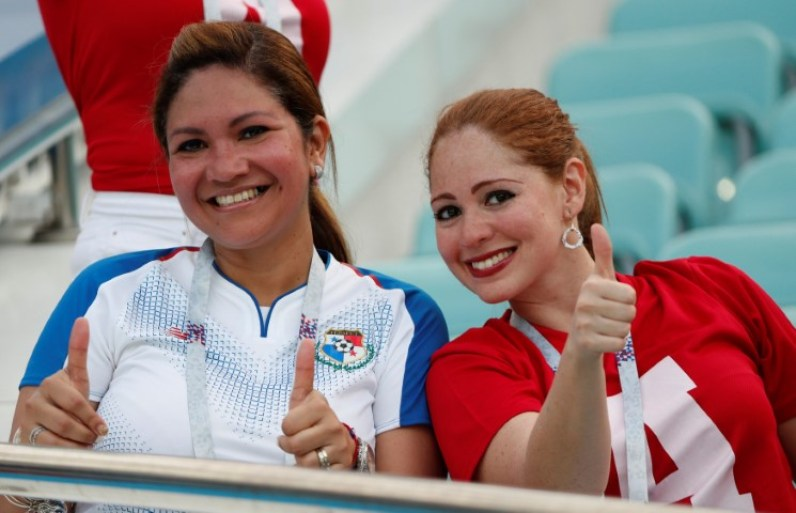 Images, Pictures and Photos of Beautiful, Sexy and Hot Panamanian girls - Panama Female Fans In World Cup 2018