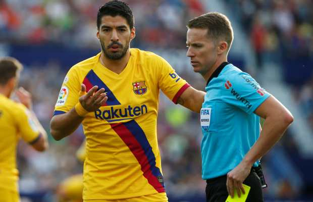 Barcelona striker Luis Suarez to miss three weeks of action with calf problem