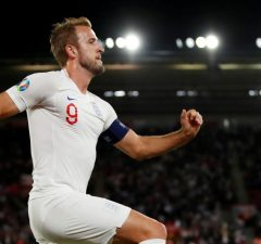 Kane feeling 'fit as ever' after Spurs register 2-0 win