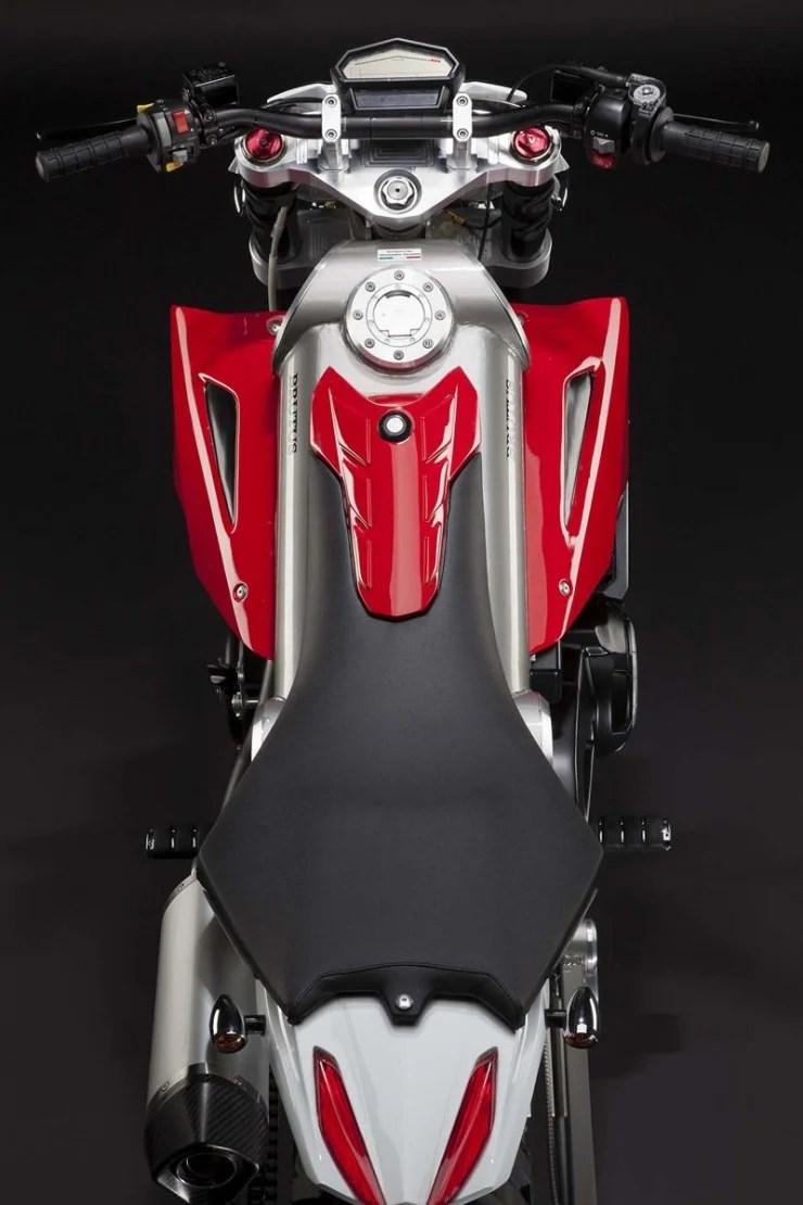 brutus motorcycle 2 740x1110 Caterham Brutus 750