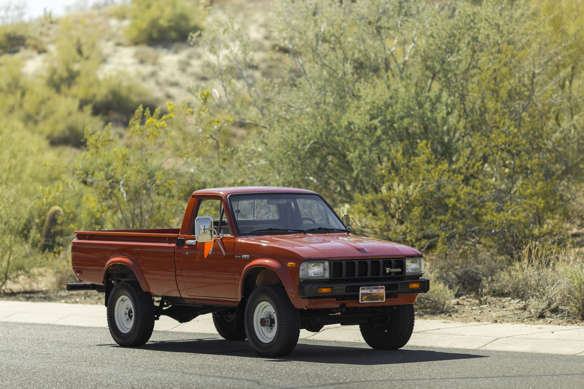 hight resolution of toyota hilux pickup truck