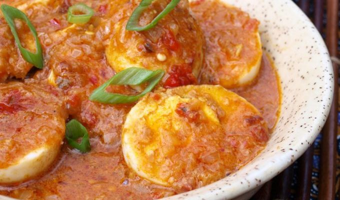 Pittige eieren: sambal goreng telor