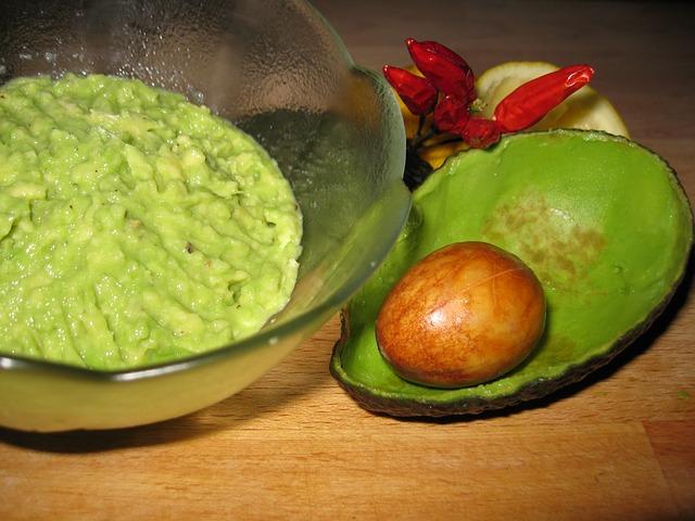 Avocadospread, lekker met knapperige groenten