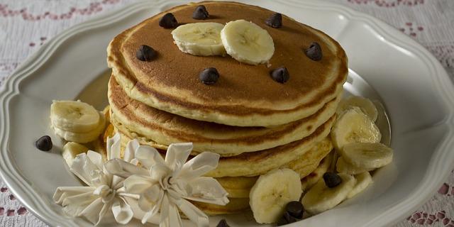 Bananenpannenkoekjes: zo wordt het ontbijt een feest